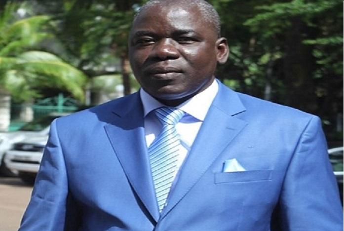 Sans defense les maliens tombent comme des mouches l for Ministre de l exterieur
